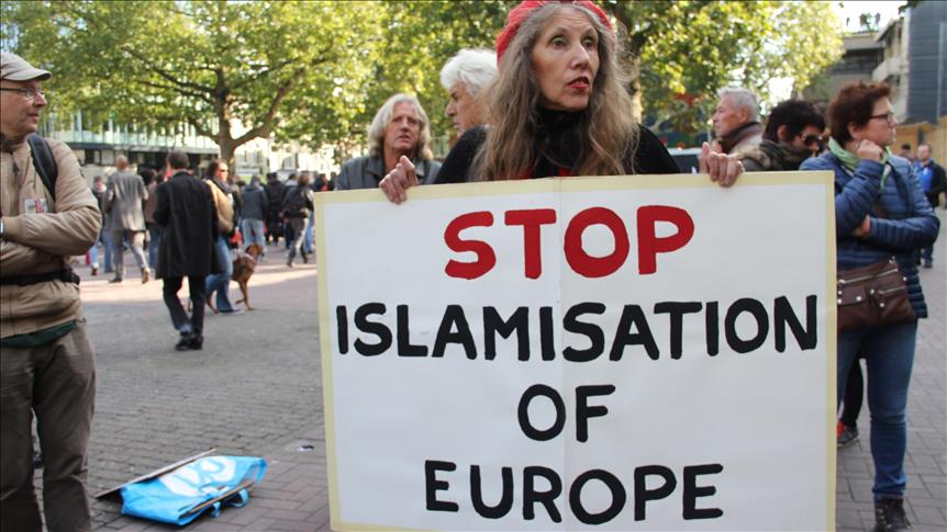 http://www.awwaaz.com/images/blogs/مغرب میں بڑھتی ہوئی اسلام دشمنی اور ہم