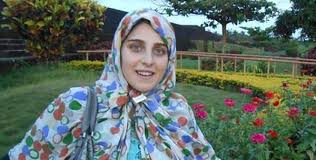 http://www.awwaaz.com/images/stories/اٹلی کے سابق رکن اسمبلی کی بیٹی کا قبول اسلام