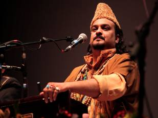 http://www.awwaaz.com/images/stories/ملک کا ایک اور روشن چراغ بجھا دیا گیا: معروف قوال امجد صابری قتل