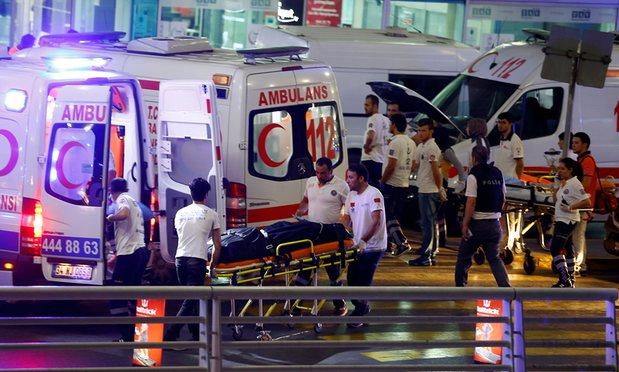 http://www.awwaaz.com/images/stories/دہشت کا منحوس کھیل جاری: استنبول ائیرپورٹ پر حملہ 50کی جان لے گیا