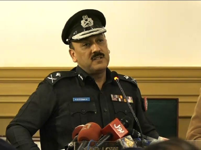 http://www.awwaaz.com/images/stories/کراچی کی سول سوسائٹی کا کرپٹ نظام کو تسلیم کرنے سے انکار ، اے ڈی خواجہ آئی جی برقرار