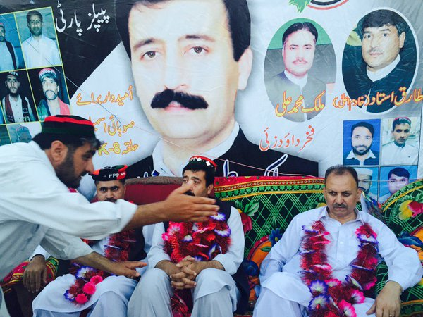http://www.awwaaz.com/images/stories/Former MPA KPK,  Malik Tehmash Khan faces NAB inquiry over illegal assets
